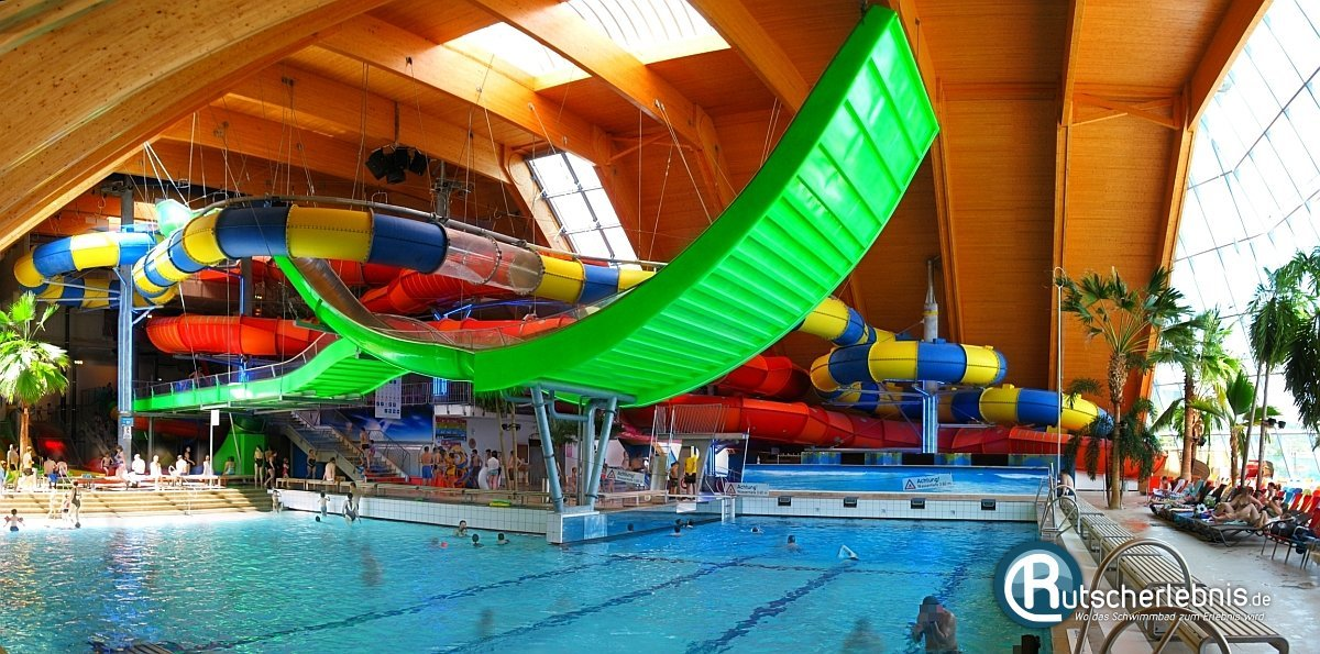 Badeparadies schwarzwald titisee neustadt for Freiburg piscine