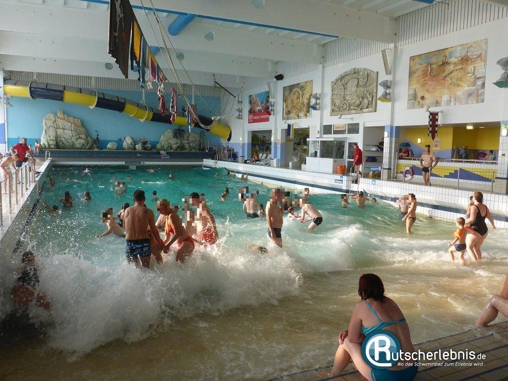 Darf man schwimmbad nackt dusche pic 5