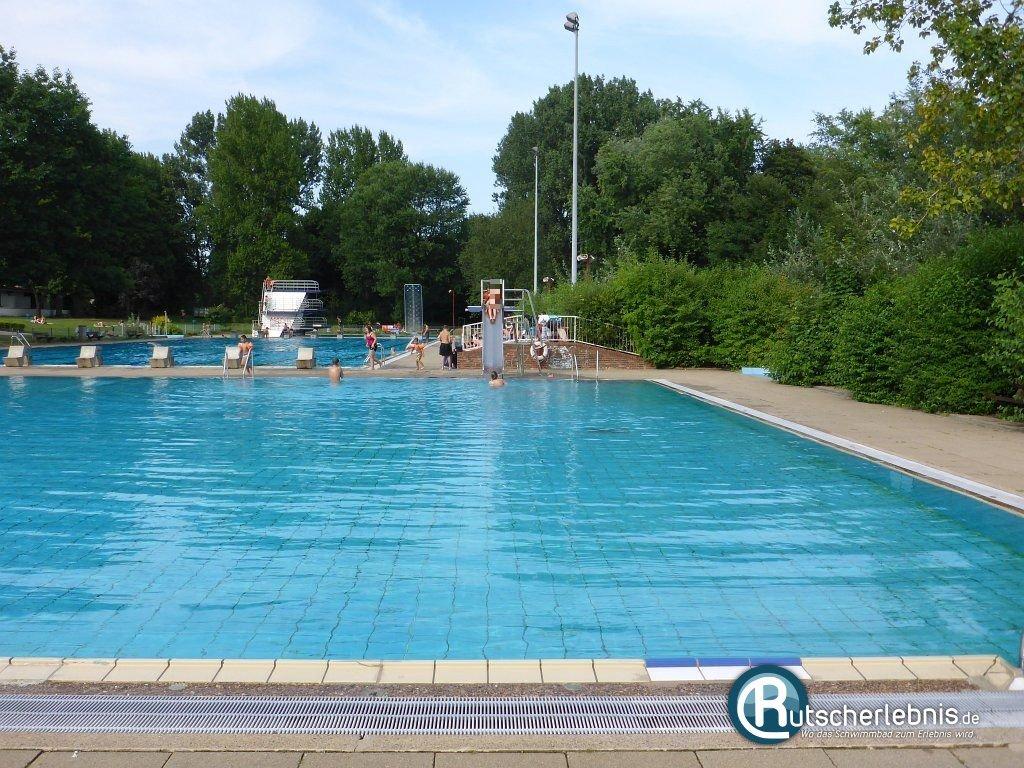 Schwimmbad billstedt hamburg mediathek bilder for Schwimmbad shop