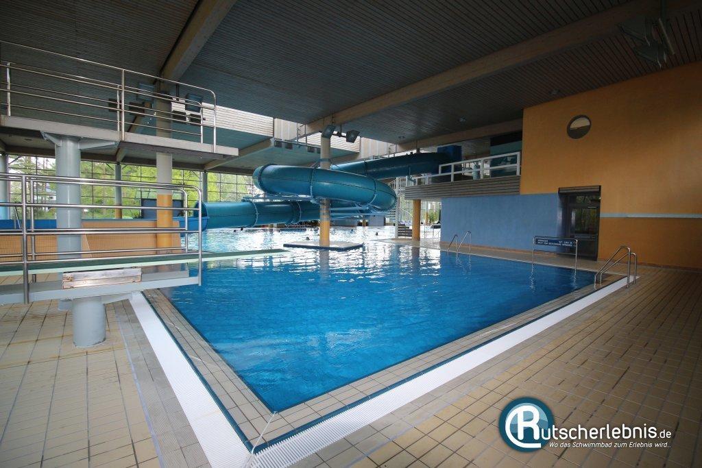 Schwimmbad in stuttgart mit delfinen wohndesign for Wohndesign stuttgart