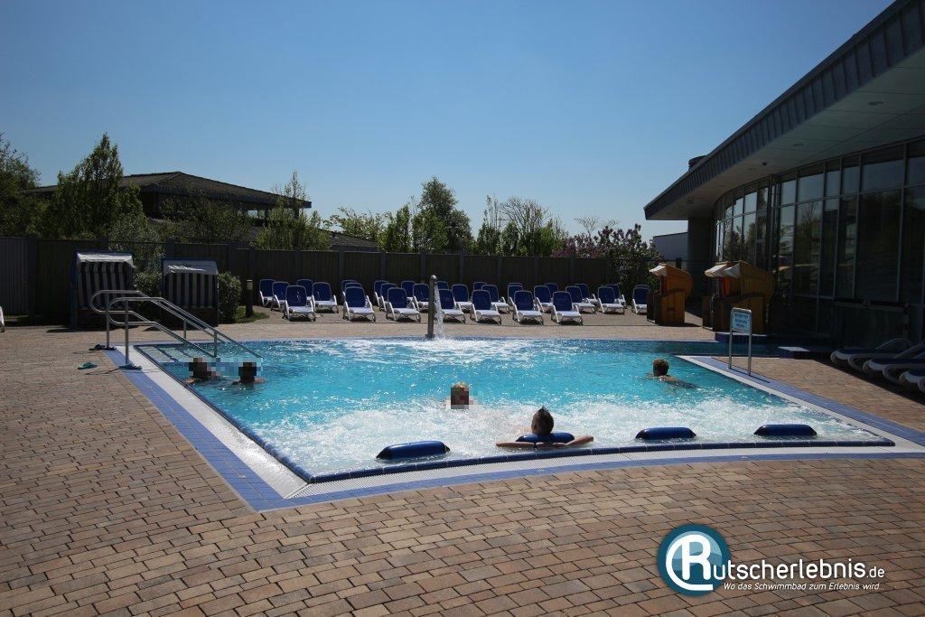 schwimmbad mit salzwasser awesome ferienhaus privates. Black Bedroom Furniture Sets. Home Design Ideas